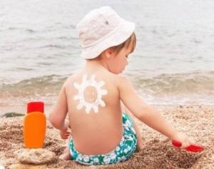 Как защитить малыша от солнечных лучей?