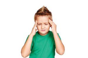 Ребенок жалуется на головную боль