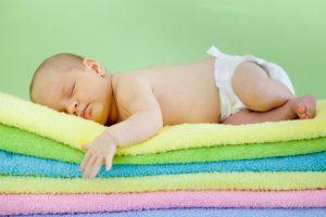 Одноразовые подгузники и правильный гигиенический уход за младенцем