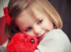 Что означают красные синяки у детей?