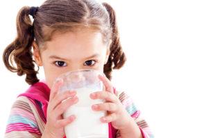 Какая кисломолочка вызывает непереносимость у малыша?